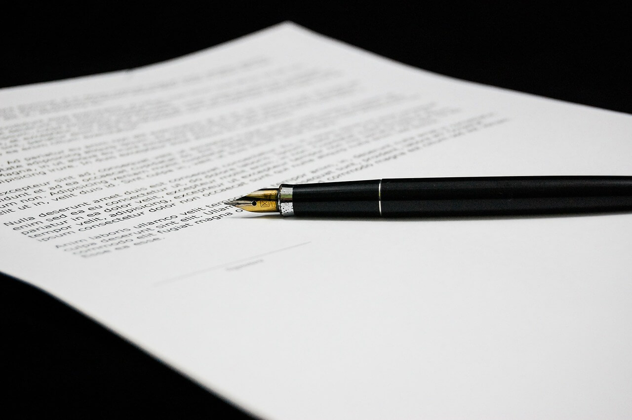Fountain pen on contract